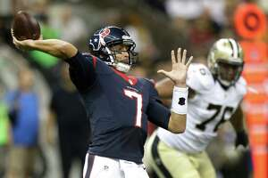 Texans cruise past Saints in preseason - Photo