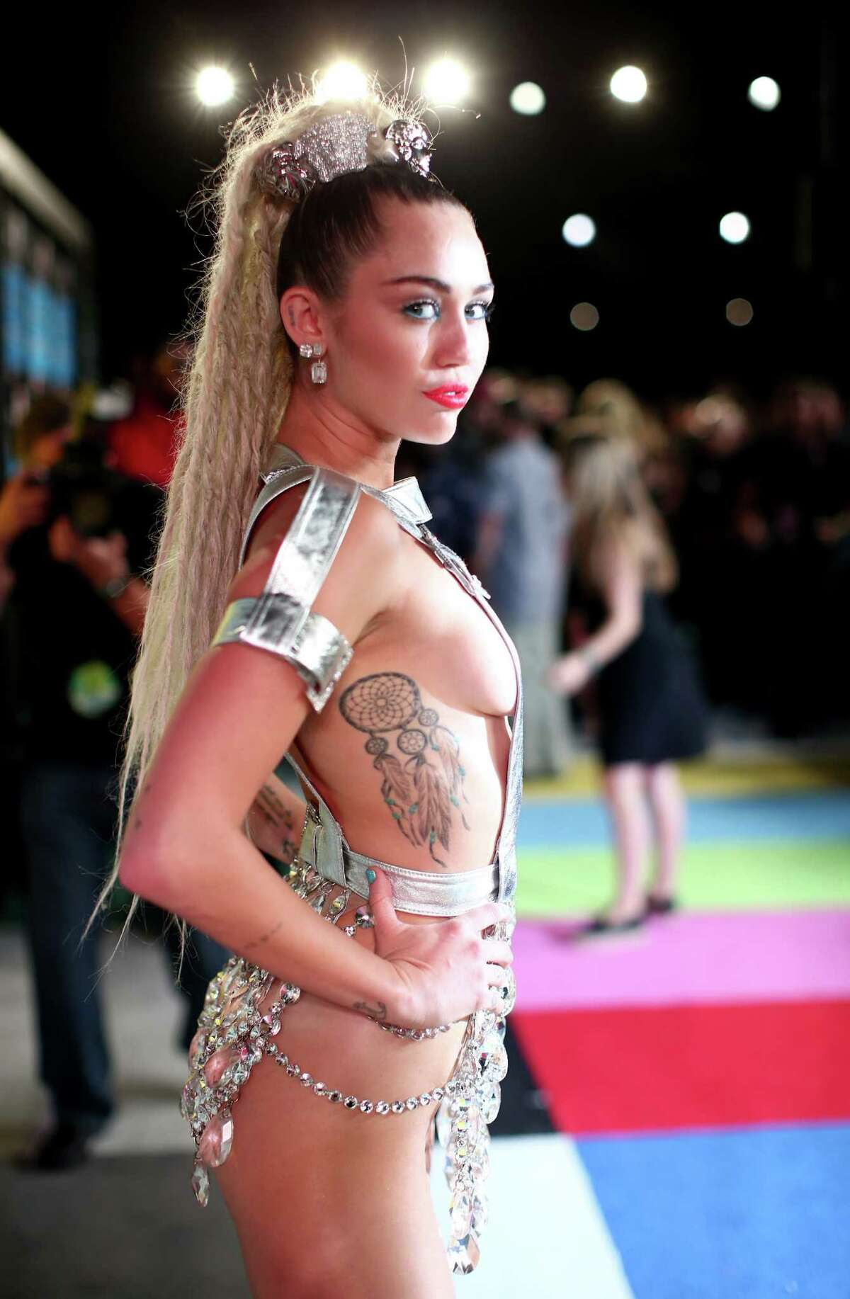 Miley Cyrus attends the 2015 MTV Video Music Awards at Microsoft Theater on August 30, 2015 in Los Angeles, California. (Photo by Kevin Mazur/WireImage)
