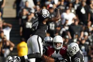 Raiders dominate 1st half, but lose to Cardinals 30-23 - Photo