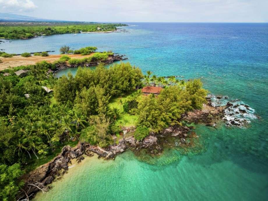 (Tropical) bird's eye. Photo: Hawaiian Life.com Photo: © 2015 All Rights Reserved.  David Tonnes Dba. PanaViz Photography - 808-672-0601 / © 2015 All rights reserved.  David Tonnes dba. PanaViz Photography - 808-672-0601