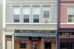 Morton's Jewelers proposes new facade at 15 Bank St - Photo