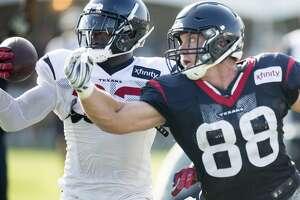 Stevie Brown rejoins Giants - Photo