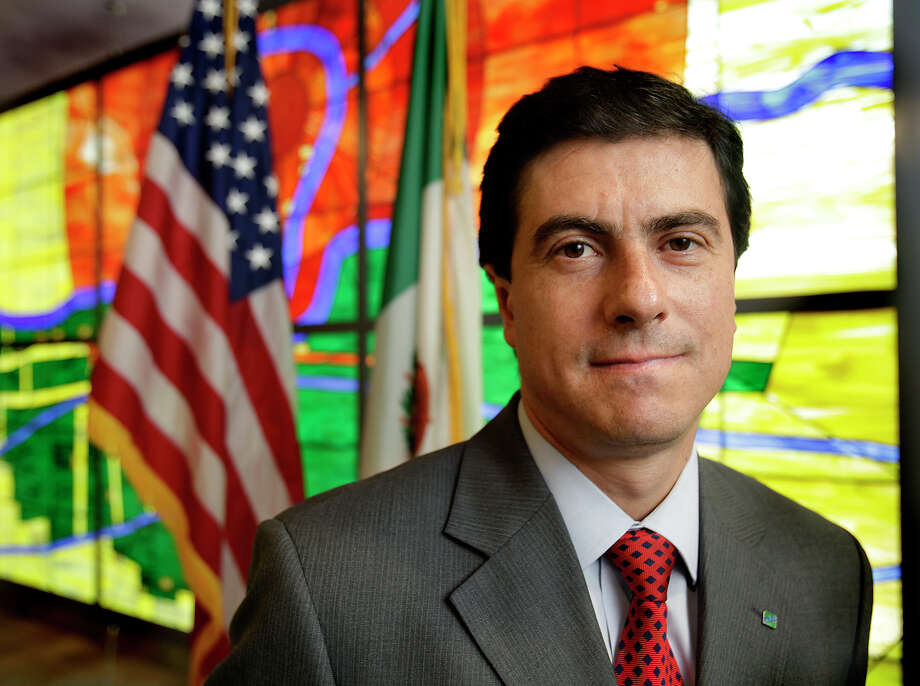 NADBank Managing Director Geronimo Gutiérrez's contract has been extended until October 2017. Photo: Express-News File Photo / SAN ANTONIO EXPRESS-NEWS