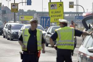 Inspections for migrants stall border crossings in Austria - Photo