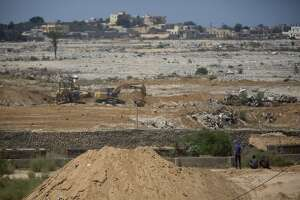 Egypt destroys Gaza smuggling tunnels in crackdown on militants - Photo