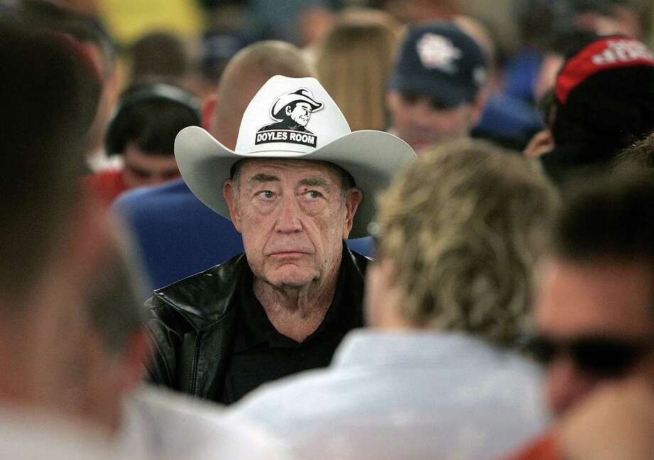 The distinctive face of two-time champion Doyle Brunson stands out in the crowded room on July, 9, 2005 in the World Series of Poker at the Rio Hotel and Casino in Las Vegas. Photo: Associated Press File Photo / AP