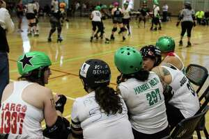 Alamo City Roller Girls show off their bruises - Photo