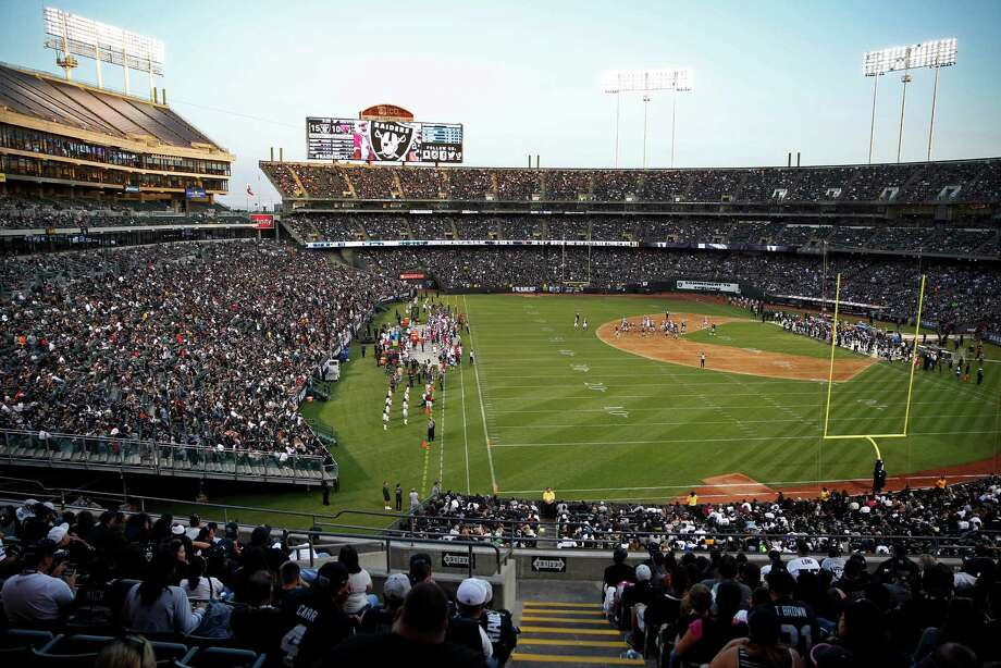 The O.co Coliseum is a much criticized venue, especially when the Raiders' and A's seasons overlap.  Photo: Scott Strazzante / The Chronicle / ONLINE_YES