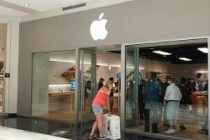Apple's bare bones store at Crossgates Mall - Photo