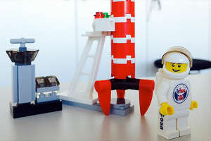 An intrepid Lego astronaut is going to space - Photo