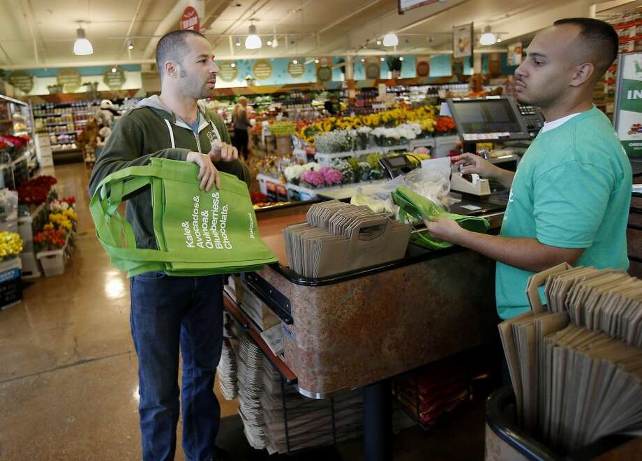 The new H-E-B is double the size of the old store. Photo: Brant Ward, Houston Chronicle