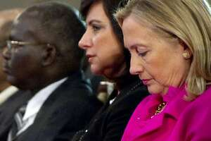Trusted adviser shows up often in Clinton e-mails - Photo