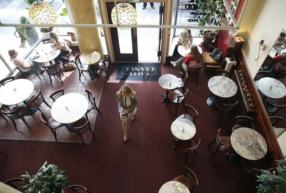 Downtown office workers have lunch at Caffe Bianco inside the Chancery Building in San Francisco, Calif. on Tuesday, Sept. 1, 2015. Photo: Paul Chinn, The Chronicle