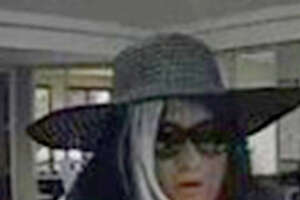 Communication error results in botched bank heist - Photo