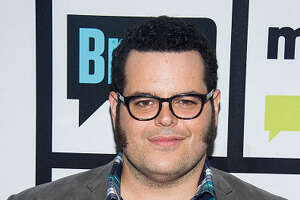 Josh Gad cast as late film critic Roger Ebert - Photo