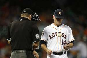 Astros' rally goes for naught vs. M's - Photo