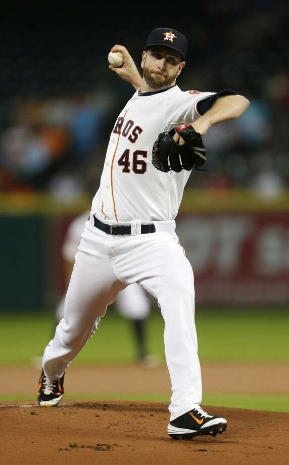 Houston Astros starting pitcher Scott Feldman (46) pitches during the first inning of an MLB baseball game at Minute Maid Park on Tuesday, Sept. 1, 2015.( Karen Warren / Houston Chronicle ) Photo: Houston Chronicle
