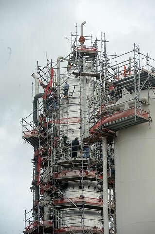 Huntsman urges trade talks during US Rep's visit to plant