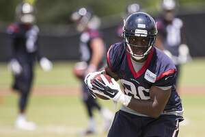 Texans trade backup tight end Khari Lee to Bears - Photo