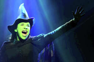 Torrington's Warner Theater hosts a 'Wicked' star - Photo