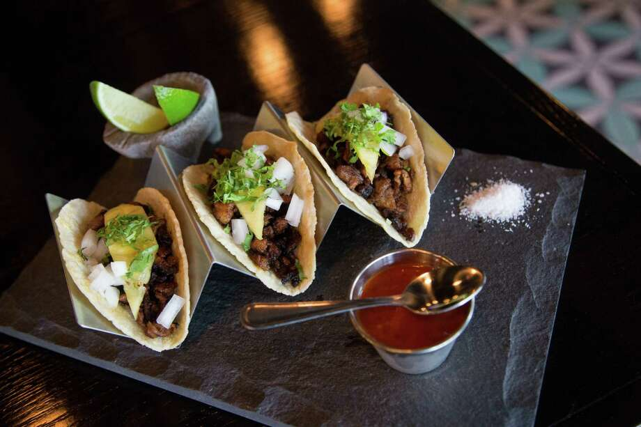 Hugo's: Taco al Pastor Photo: Billy Smith II, Houston Chronicle / © 2014 Houston Chronicle