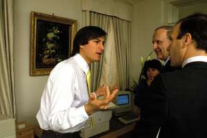 Why do we idolize Steve Jobs? - Photo
