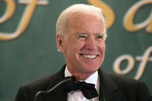 Biden to test political waters in Florida as he mulls 2016 - Photo