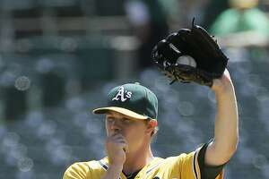 Rough day for Sonny Gray in loss to Angels - Photo