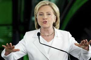Email controversy not Clinton's only problem - Photo