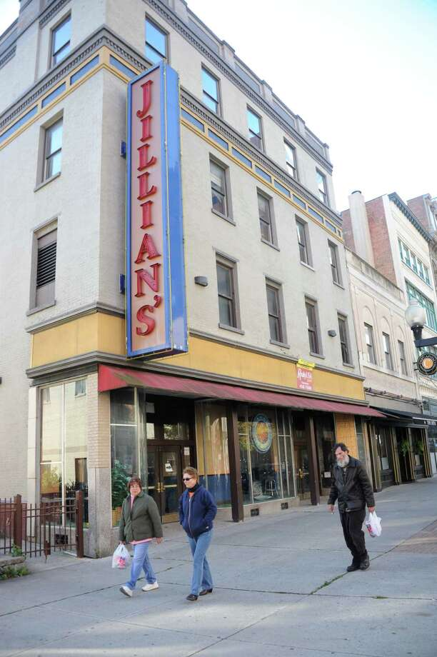 $855,000 buys old Jillian\'s location - Times Union