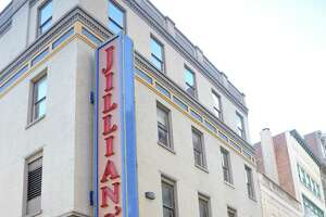 $855,000 buys old Jillian's location - Photo