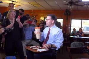 GOP hopeful Walker eats at Bill Miller B-B-Q - Photo