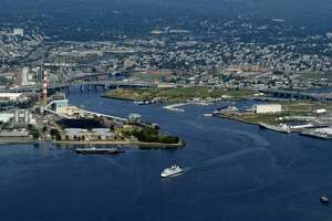 New harbor dredging plan gains support - Photo