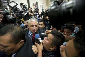 New Guatemalan president promises 'a legacy of honesty' - Photo