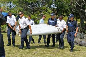 French investigators confirm wing part is from Flight 370 - Photo