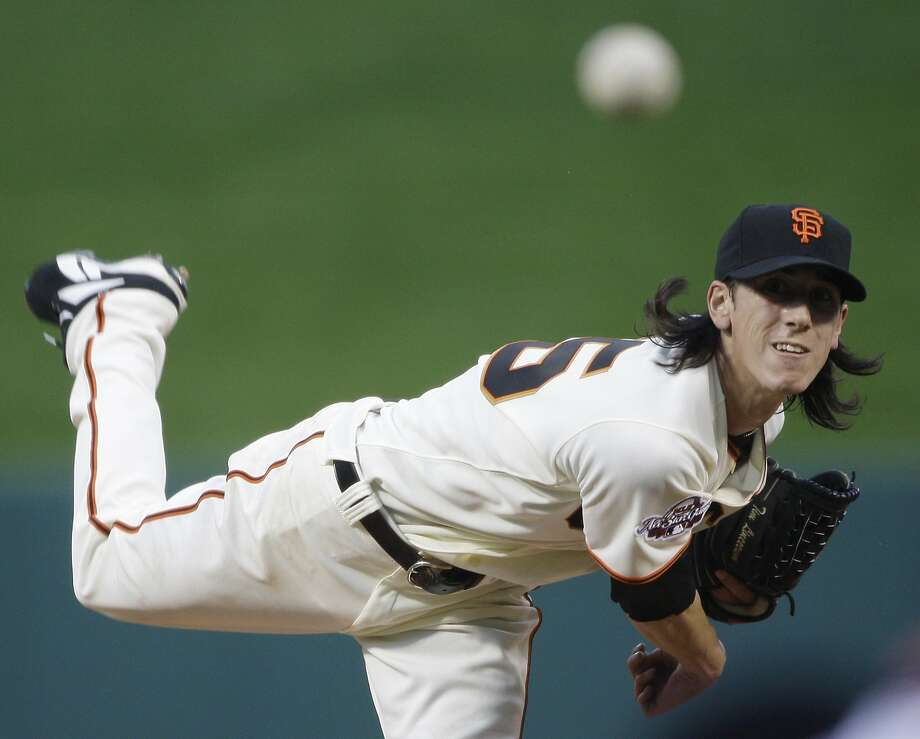 National League's Tim Lincecum of the San Francisco Giants pitches during the first inning of the MLB All-Star baseball game in St. Louis, Tuesday, July 14, 2009. (AP Photo/Morry Gash) Photo: Morry Gash, AP