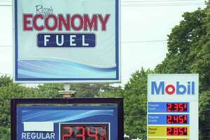 Gas prices a boon for town budgets - Photo