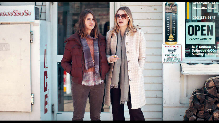 "This photo provided by Fox Searchlight Pictures shows, Lola Kirke, left, as Tracy, and Greta Gerwig, as Brooke, in a scene from ""Mistress America."" (Fox Searchlight Pictures via AP) ORG XMIT: CAET649 / Fox Searchlight Pictures"
