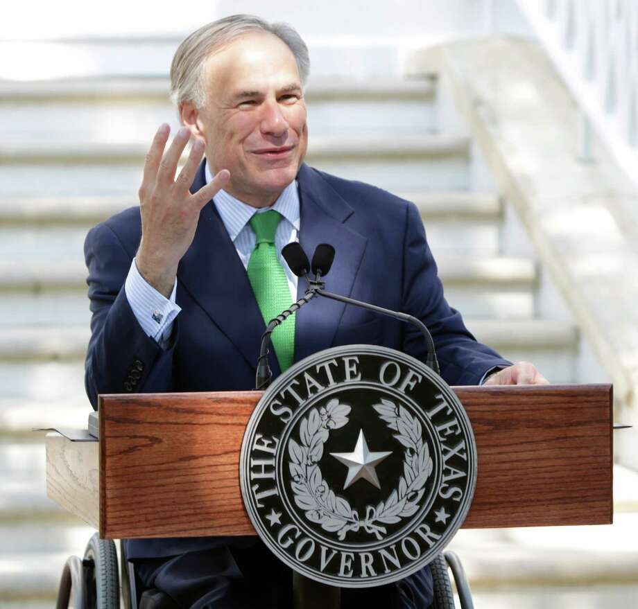 Gov. Greg Abbott's trip is the result of his long-standing pledge to seek closer ties between Texas and Mexico. Photo: William Luther / San Antonio Express-News / © 2015 San Antonio Express-News