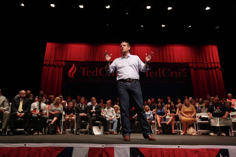 Republican presidential candidate Sen. Ted Cruz, R-Texas, speaks at a Constitution Day celebration sponsored by the Kingwood Tea Party on Thursday in Kingwood. Photo: Jon Shapley, Jon Shapley/Houston Chronicle / Staff