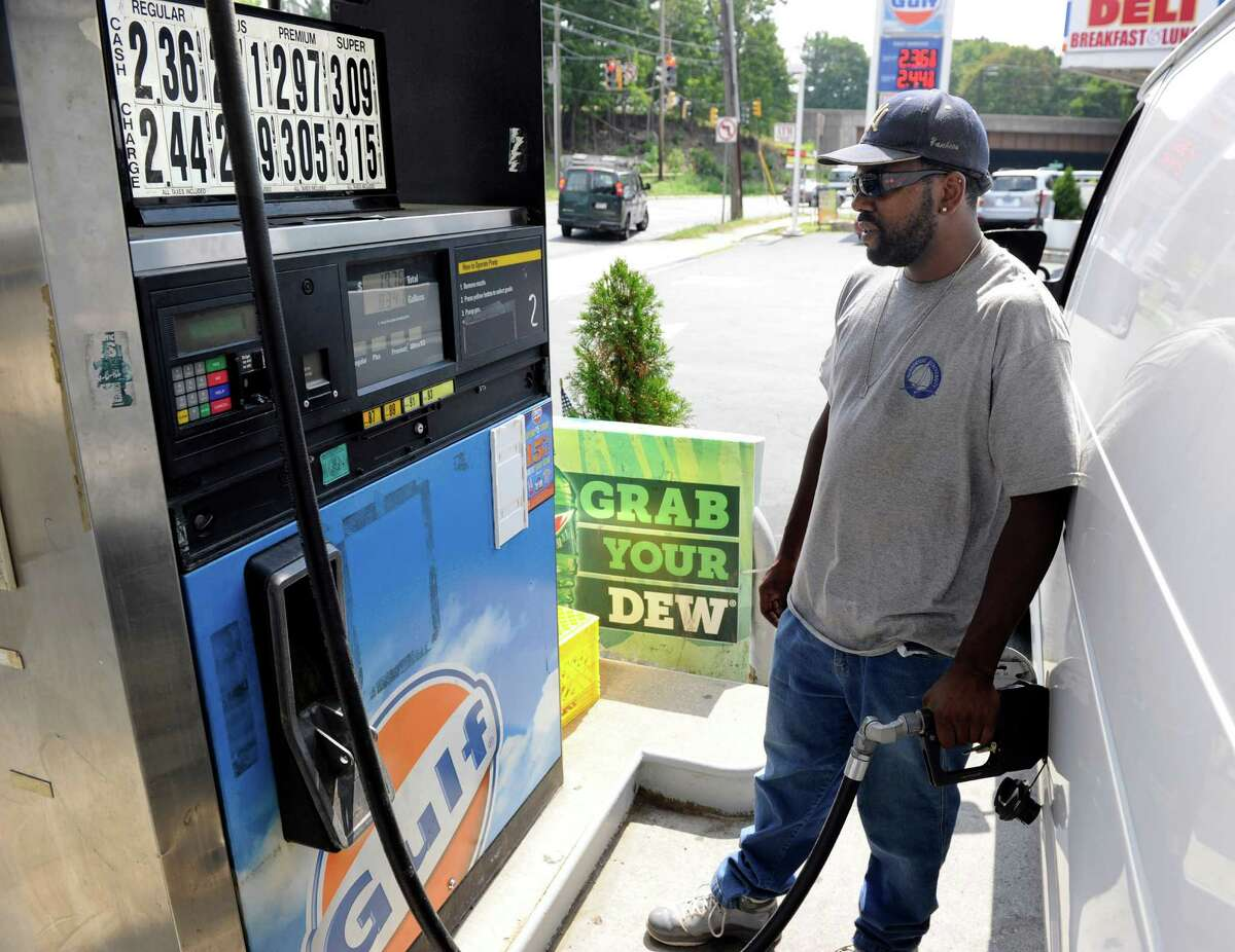 AAA's September 1st survey of prices in Connecticut found self-serve, regular unleaded averaging $2.59 a gallon, down 8 cents from last week; 24 cents from last month; and down $1.14 compared to last year. In the Bridgeport/Stamford area a gallon of gas costs about $2.67.