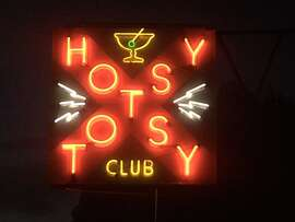 The Hotsy Totsy has good drinks, a great neon sign and a taco truck right on the premises. If that's not enough, there's always the Mallard, Ivy Room, Pub or the Mel-O-Dee Lounge right nearby.