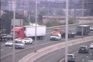 Disabled truck cleard from I-95 - Photo