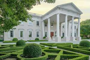 White House look-a-like on the market for $17.9 million - Photo