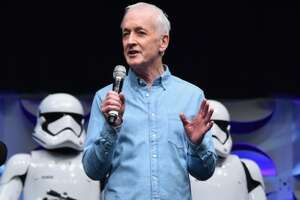 C-3PO actor Anthony Daniels slams 'Star Wars' secrecy - Photo