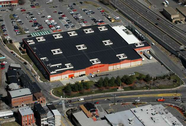 Home Depot In Derby Conn March 18th 2010 On The Site Of 134102 Newstimes