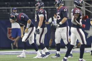 Texans QB Tom Savage likely out 4-6 weeks with sprained shoulder - Photo