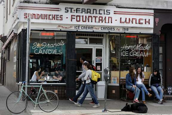 During the lunch hour at St. Francis Fountain restaurant in San Francisco, Calif., on Wednesday, May 12, 2010.