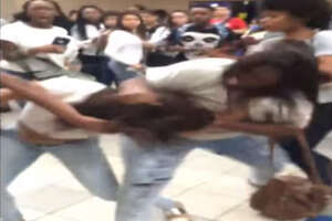 Massive brawl at Houston school caught on tape - Photo