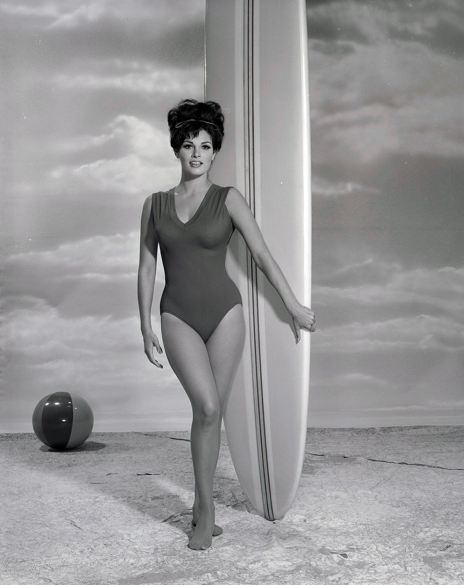 Raquel Ann Moore Nude Photos 83